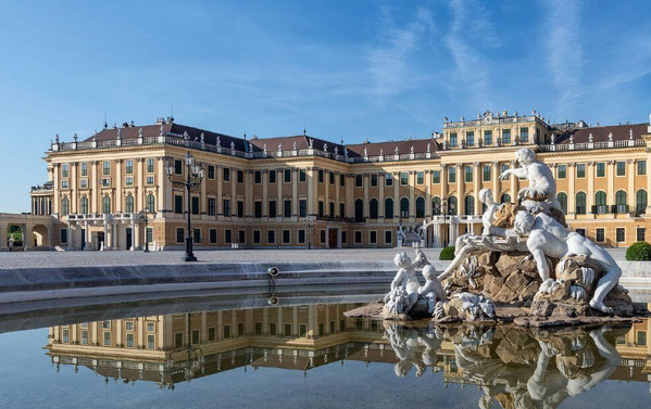 Schloss_Schoenbrunn_X.jpg