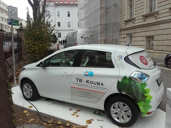 FAMILY OF POWER E-Carsharing_TU Graz_ZOE Rechbauerstraße 12_L.jpg